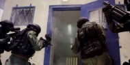 هيئة الأسرى: وحدات القمع تقتحم سجن عسقلان وتحطم مقتنيات الأسرى