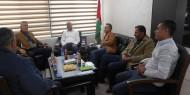 د. ابو هولي ووزير الحكم المحلي يبحثان المشاريع المقدمة للمخيمات من خلال الصناديق العربية