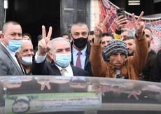 اشتية: بتوجيهات من الرئيس سنعالج الأسير الشحاتيت وكل من يحتاج للعلاج من الأسرى